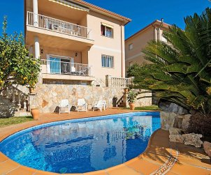 Villa   à Segur de Calafell pour 8 personnes avec piscine privée p2