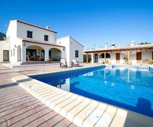 Villa   à Benissa pour 8 personnes avec piscine privée p1