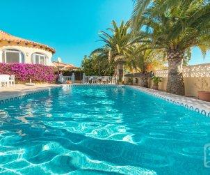 Villa   à Calpe pour 6 personnes avec piscine privée, climatisation et internet p1