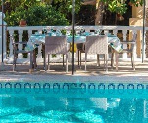 Villa   à Calpe pour 6 personnes avec piscine privée, climatisation et internet p2