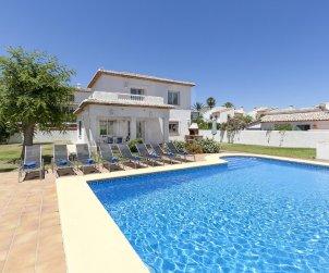 Villa   à Denia pour 8 personnes avec piscine privée p1