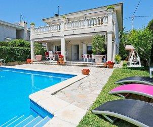 Villa   à Cambrils pour 12 personnes avec piscine privée p0