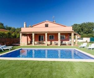 Villa   à Caldes de malavella pour 10 personnes avec piscine privée p0