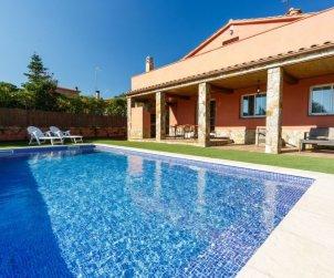 Villa   à Caldes de malavella pour 10 personnes avec piscine privée p1