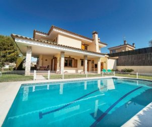 Villa   à Calonge - Sant Antoni de Calonge pour 10 personnes avec piscine privée p0