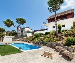 Villa   à Tordera pour 6 personnes avec piscine privée p2