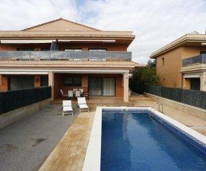 Villa   à L'Ampolla pour 6 personnes avec piscine privée p2