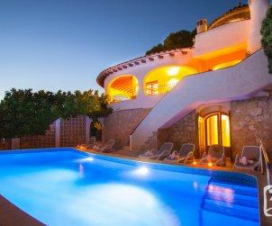 Villa   à Moraira pour 6 personnes avec piscine privée, climatisation et belle vue mer p2