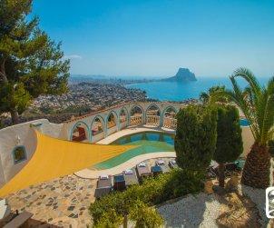 Villa   à Calpe pour 8 personnes avec piscine privée, climatisation et vue mer p0