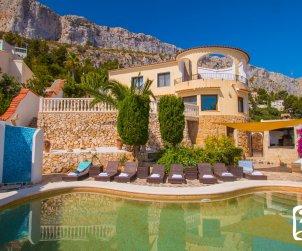 Villa   à Calpe pour 8 personnes avec piscine privée, climatisation et vue mer p1