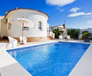 Villa   à Empuriabrava pour 6 personnes avec piscine privée p1