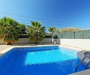 Appartement   à Cambrils pour 5 personnes avec piscine commune p0