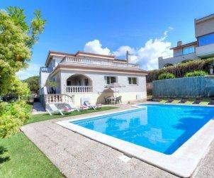 Villa   à Lloret del Mar pour 12 personnes avec piscine privée p1