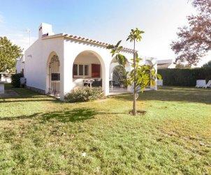 Villa   à Cambrils pour 8 personnes avec piscine commune p0
