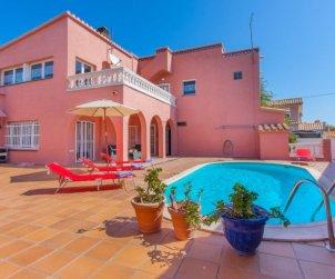 Villa   à Empuriabrava pour 8 personnes avec piscine privée p0