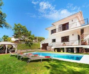 Villa   à S'Agaró pour 8 personnes avec piscine privée p0