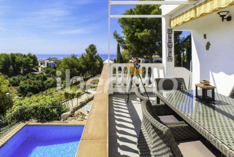Villa   à Nerja pour 8 personnes avec piscine privée p5