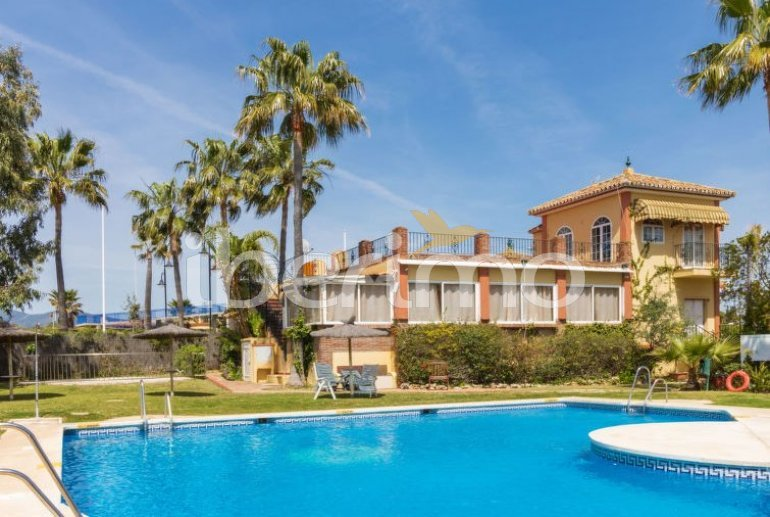 Villa   à Estepona pour 10 personnes avec piscine commune p4