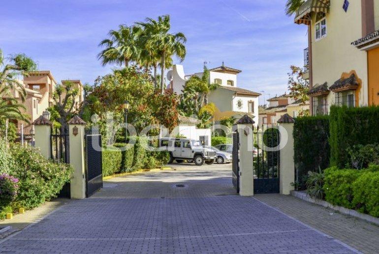 Villa   à Estepona pour 10 personnes avec piscine commune p7