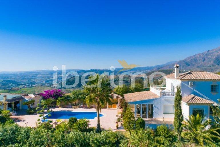 Villa   à Estepona pour 6 personnes avec piscine privée p4