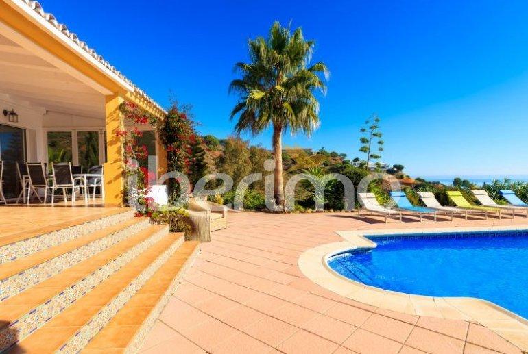 Villa   à Estepona pour 6 personnes avec piscine privée p6