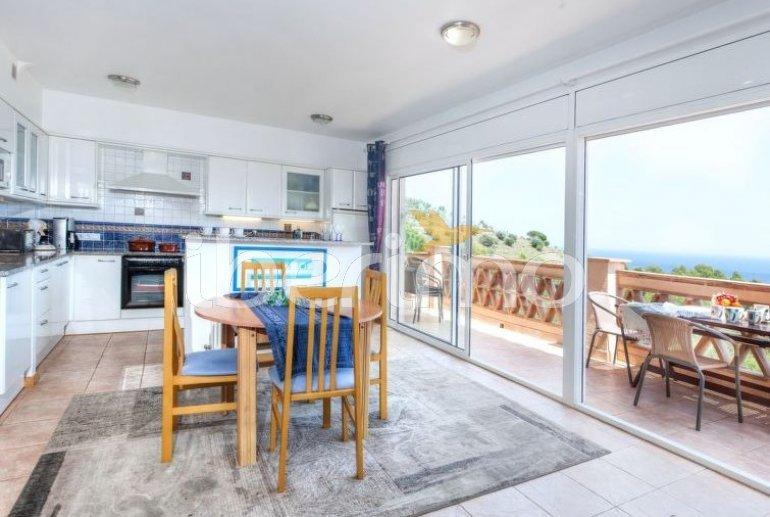 Villa   à Llançà pour 6 personnes avec belle vue mer p2