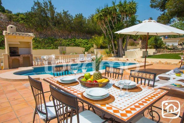 Villa   à Moraira pour 6 personnes avec piscine privée, climatisation et proche mer p4