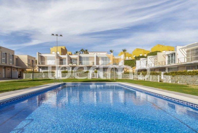 Villa   à L'Ampolla pour 6 personnes avec piscine commune p7