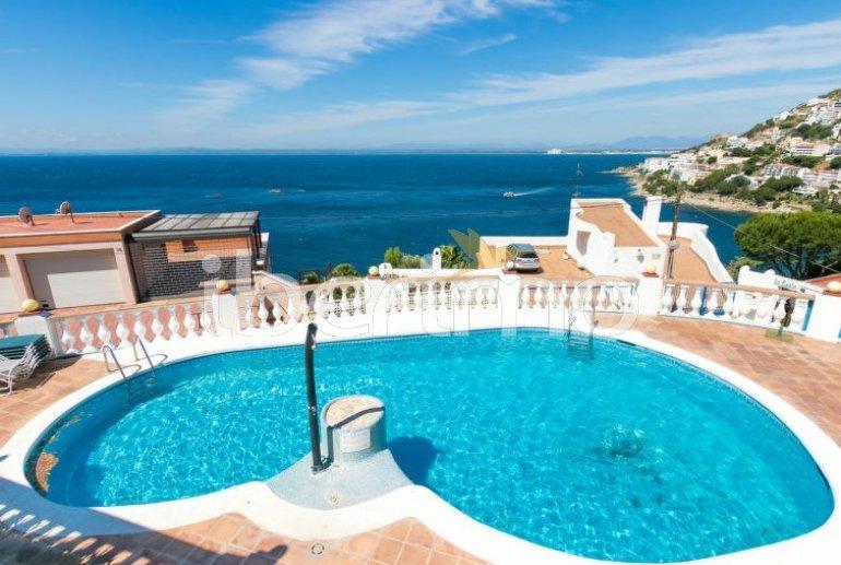 Villa   à Rosas pour 4 personnes avec piscine commune p6