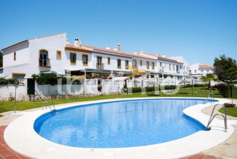 Appartement   à Rincón de la Victoria pour 6 personnes avec piscine commune p0