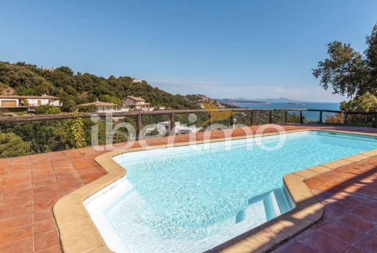 Appartement   à Begur pour 6 personnes avec piscine commune p1