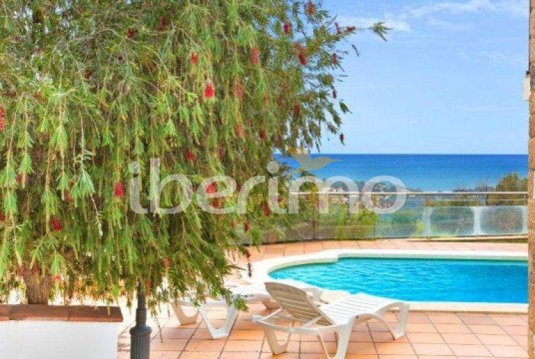 Villa   à Lloret del Mar pour 10 personnes avec piscine privée, climatisation et belle vue mer p3