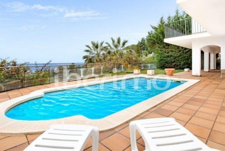 Villa   à Lloret del Mar pour 10 personnes avec piscine privée, climatisation et belle vue mer p0