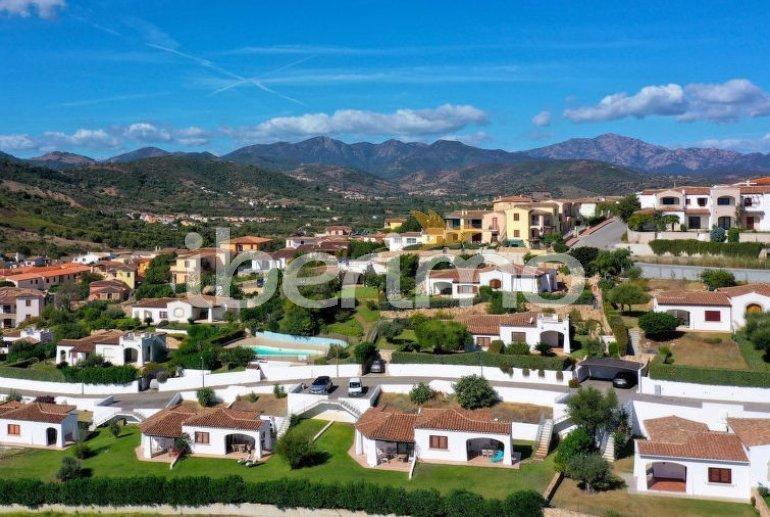 Villa   à Budoni pour 4 personnes avec piscine commune p1