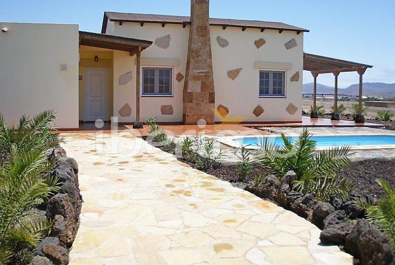 Villa   à Gran Tarajal pour 6 personnes avec piscine privée p5