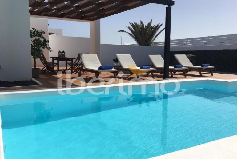 Villa   à Playa Blanca pour 4 personnes avec piscine privée p3