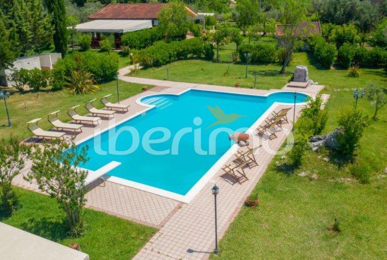Villa   à Paestum pour 10 personnes avec piscine privée p1