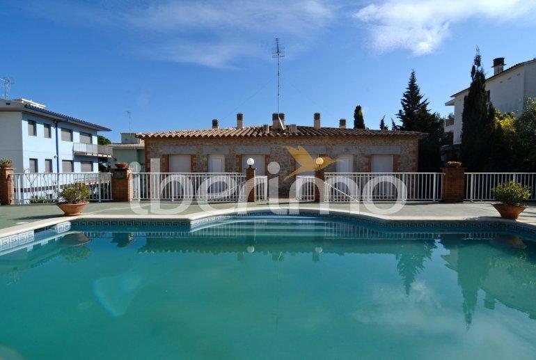 Appartement   à L'Escala pour 6 personnes avec piscine commune p14