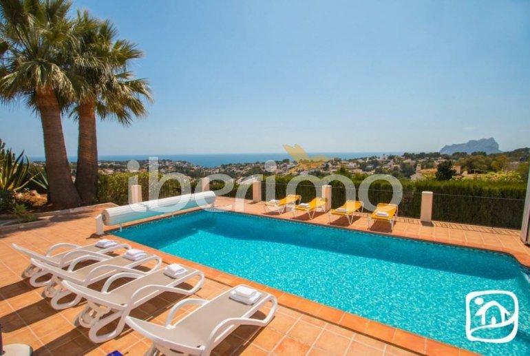 Villa   à Benissa pour 10 personnes avec piscine privée couverte, solarium et belle vue mer p0