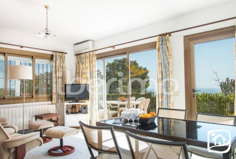 Villa   à Benissa pour 10 personnes avec piscine privée couverte, solarium et belle vue mer p4