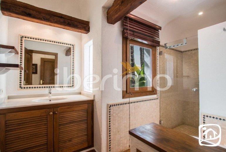 Villa   à Moraira pour 8 personnes de style ibiza avec piscine privée et climatisation p5