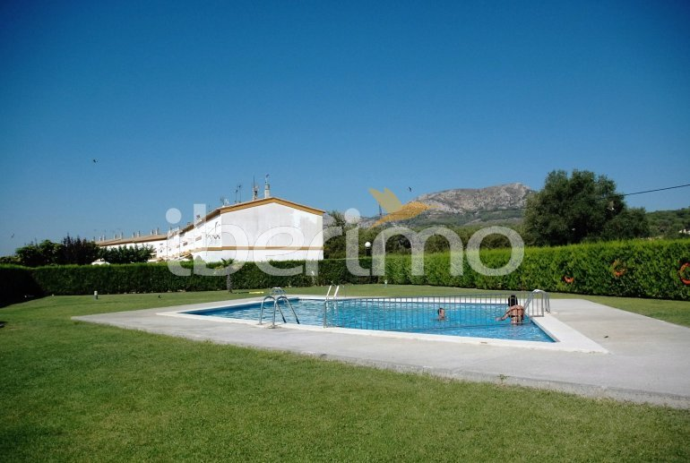 Villa   à L'Estartit pour 4 personnes avec piscine commune p1