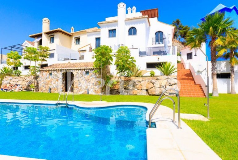 Villa   à La Herradura pour 6 personnes avec piscine commune p0