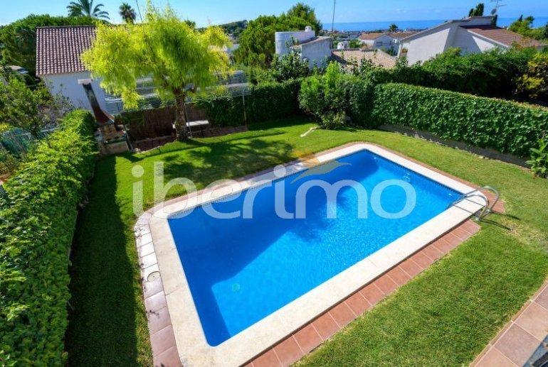 Villa   à Cunit pour 8 personnes avec piscine privée p1