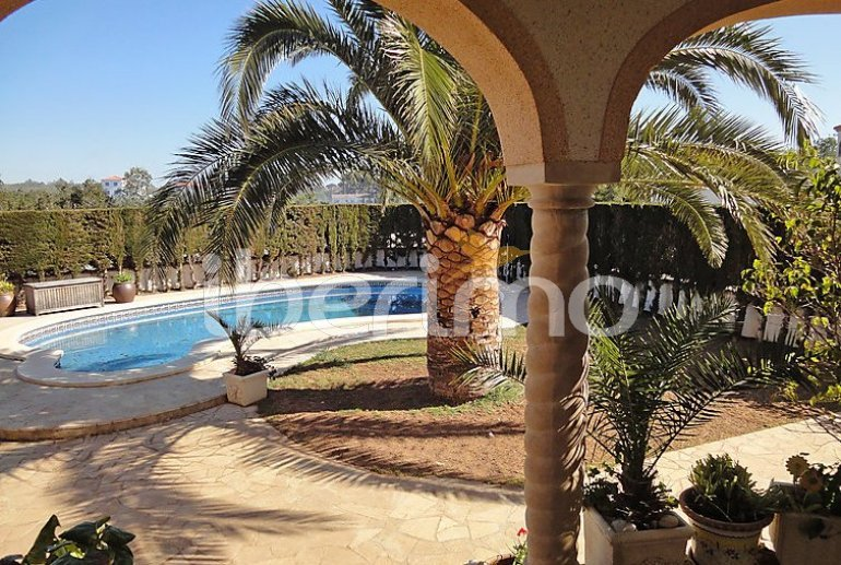 Villa   à L'Ampolla pour 8 personnes avec piscine privée p3