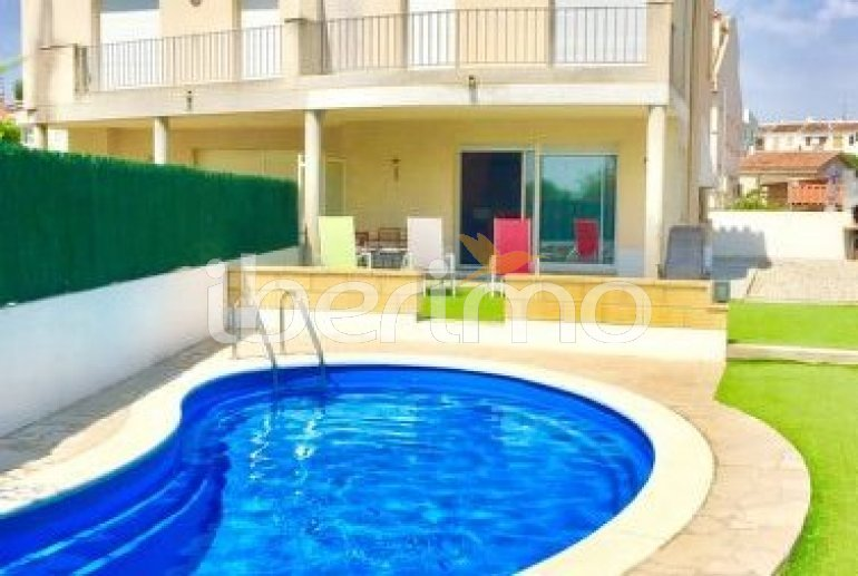 Villa   à L'Ampolla pour 8 personnes avec piscine privée p4