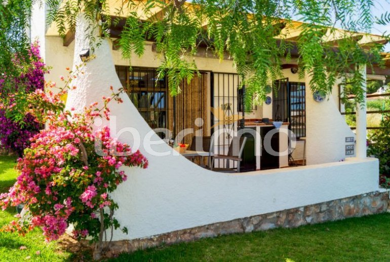 Villa   à Mijas pour 4 personnes avec piscine commune p4