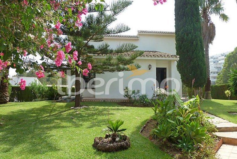 Villa   à Mijas pour 6 personnes avec piscine privée p1