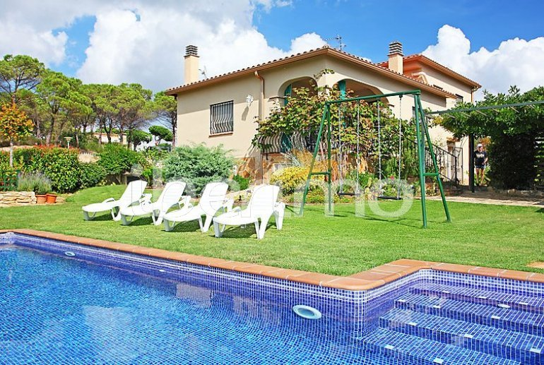 Villa   à Vidreres pour 6 personnes avec piscine privée p6