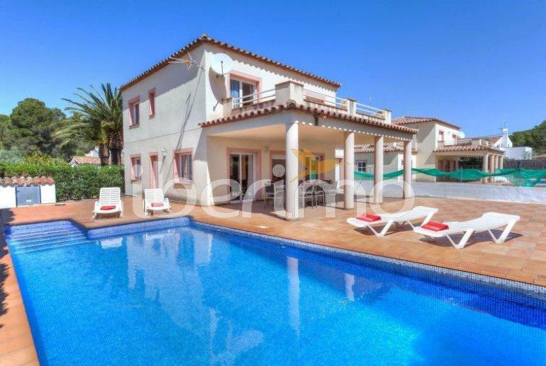 Villa   à Ametlla de Mar pour 11 personnes avec piscine privée p0